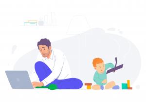Padre de familia trabajando desde casa en su computadora portátil, mientras su hijo juega.